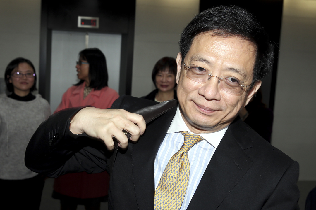 管中閔於2012年加入馬英九政府,先後擔任政務委員、經建會主委及國家發展委員會主委,2015年1月辭去官職。