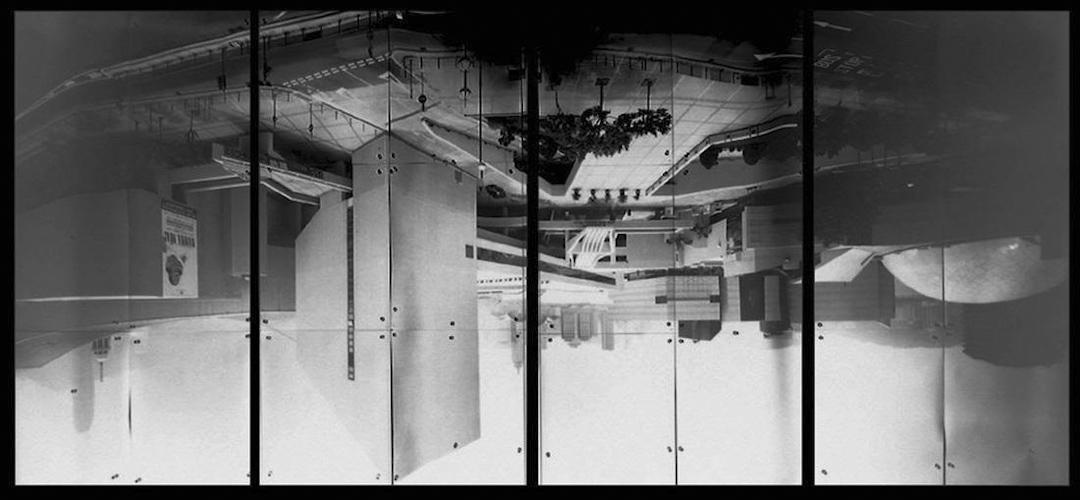程展緯的《小窗大景》系列,是程在不同地區將房間改裝成針孔相機,拍攝窗外的城景。