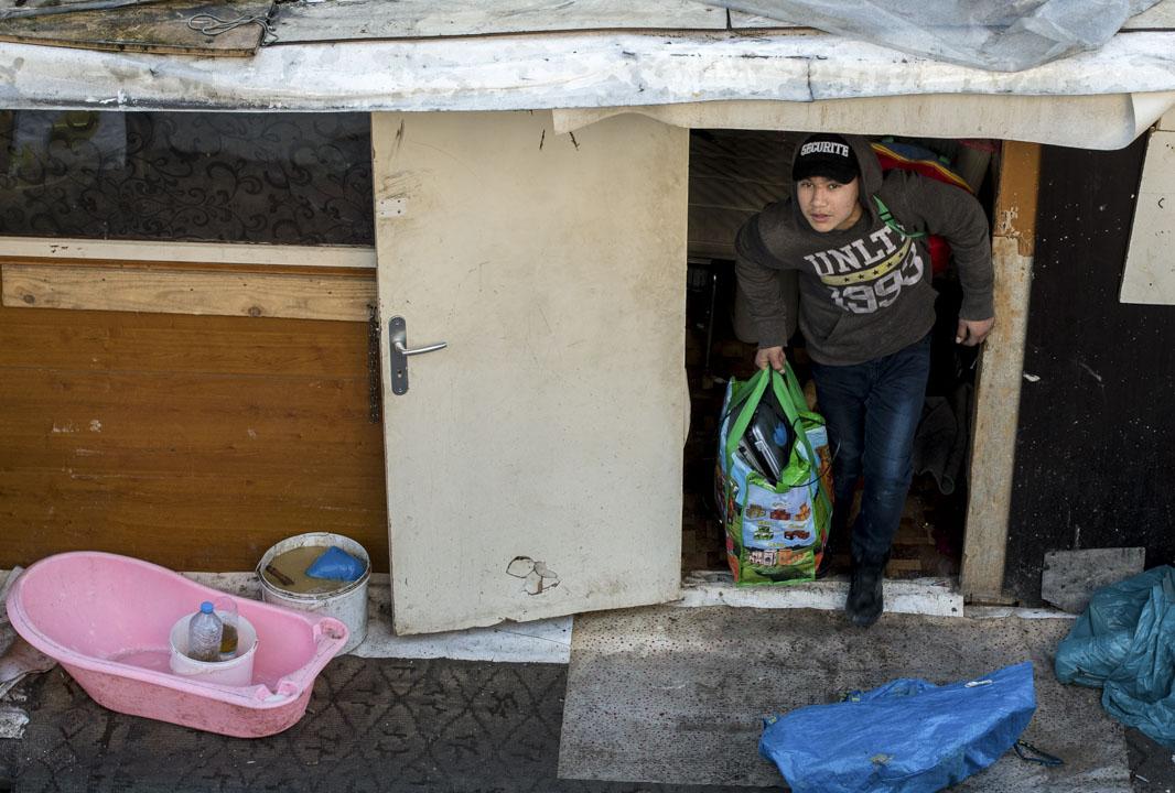 2016年2月3日,法國巴黎,法國警方以衛生問題為由驅逐了聚居在棚屋中的四百餘名羅姆人。