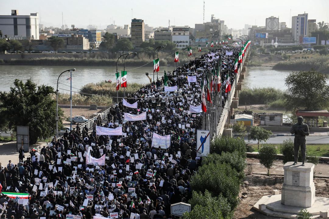 1月3日,伊朗爆發上萬人規模的支持政府大遊行。 攝:Morteza Jaberian/Getty Images