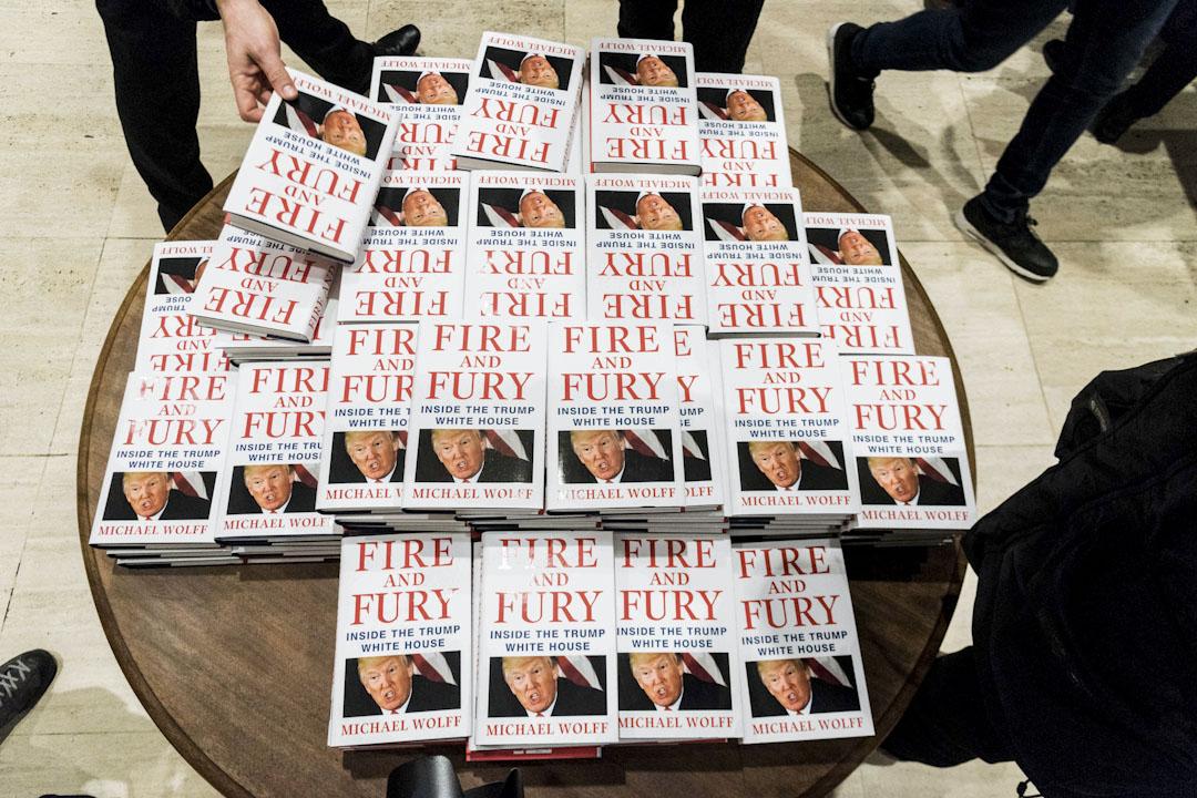 新書《火與怒:深入特朗普白宮》(Fire and Fury : Inside the Trump White House),作者是美國新聞界頗具爭議的記者和紀實作家邁克爾.沃爾夫(Michael Wolff)。 攝:Imagine China