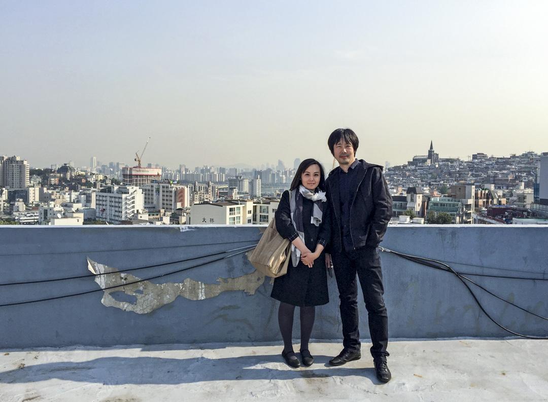 北京建築師李涵和胡妍,事務所名叫「繪造社」,顧名思義,繪圖建造社。這些年,二人大多時間都花在紙面功夫上,用建築軸測圖等記錄北京不同的建築。 圖:受訪者提供