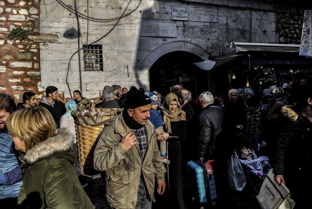 問起父親對土耳其的看法,他想了想說,土耳其人特別好,忠厚老實、熱心善良,這讓他很吃驚,「但是伊斯坦堡不夠現代化,很多地方都特別髒。」