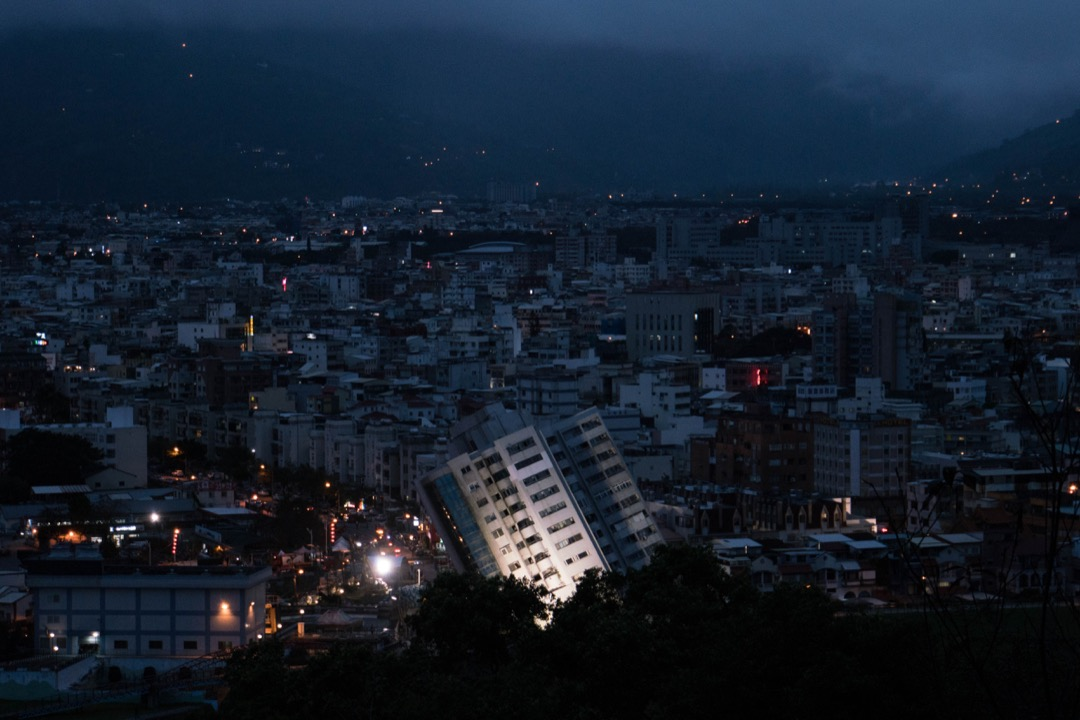 在認同有效救援的同時,政府及民眾亦應反思,如果災害規模一次比一次大,災情一次比一次嚴重,我們是否還只能寄望救援,見招拆招? 攝:Stanley Leung/端傳媒