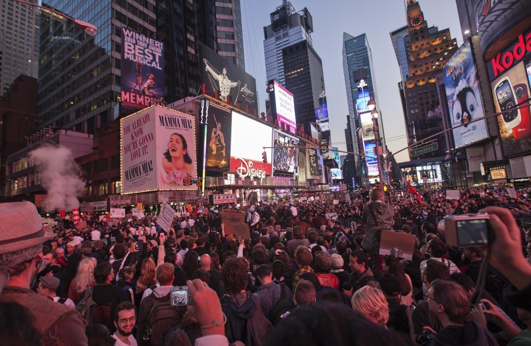 佔領華爾街是由加拿大反消費主義組織廣告克星發起,2011年9月17日,近一千名示威者進入紐約華爾街示威,以反抗資本主義的貪婪不公和社會的不平等。