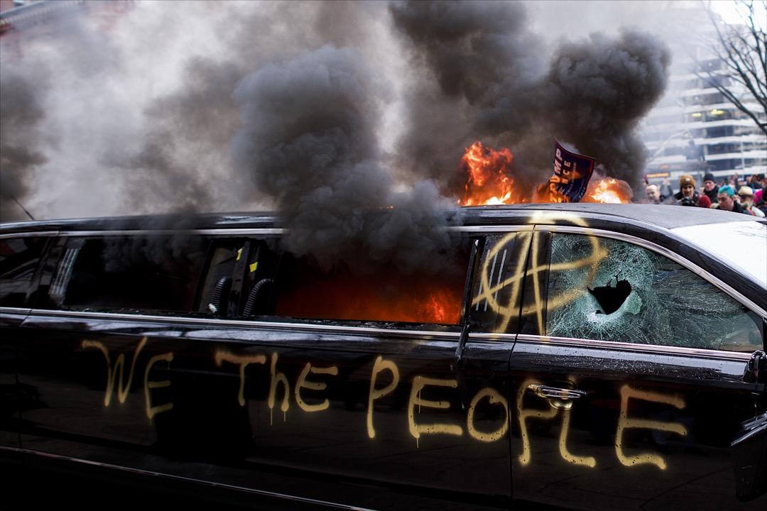 戴蒙德指出,當今世界進入了「民主錯亂的新時期」,其中一個趨勢會造就意識形態的反敘述:「民主已經過時,它導致混亂和停滯,而集中化的權力才是進步的通途」。這種論調日益高漲,正在催生一個新的「威權主義的全球時代精神。」