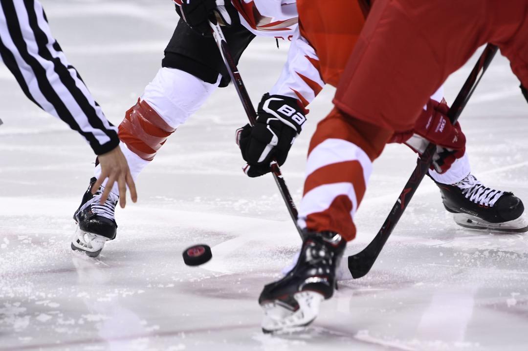 2018年2月19日,女子冰上曲棍球準決賽,由加拿大對俄羅斯。