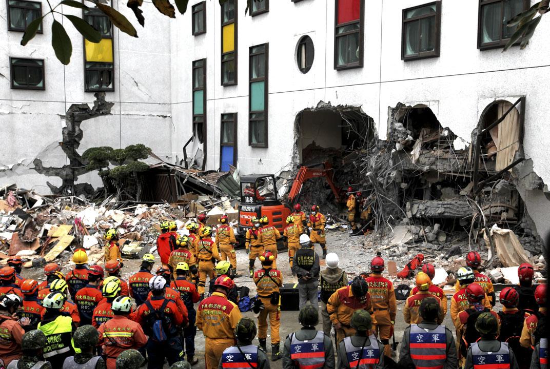 2018年2月6日,台灣花蓮夜間發生黎克特制(台稱芮氏規模)6.4地震。圖為災情嚴重的統帥大飯店。