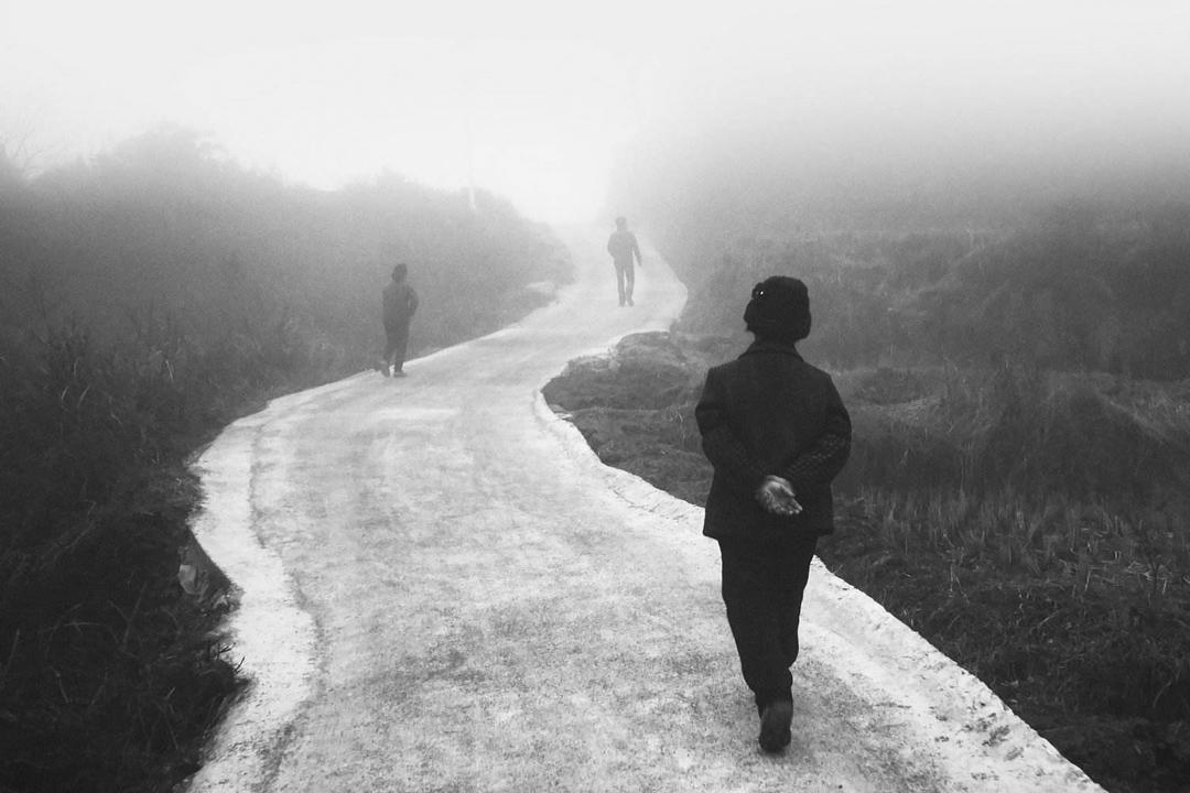 蕭瀟《團魚岩》紀錄片劇照。 網上圖片