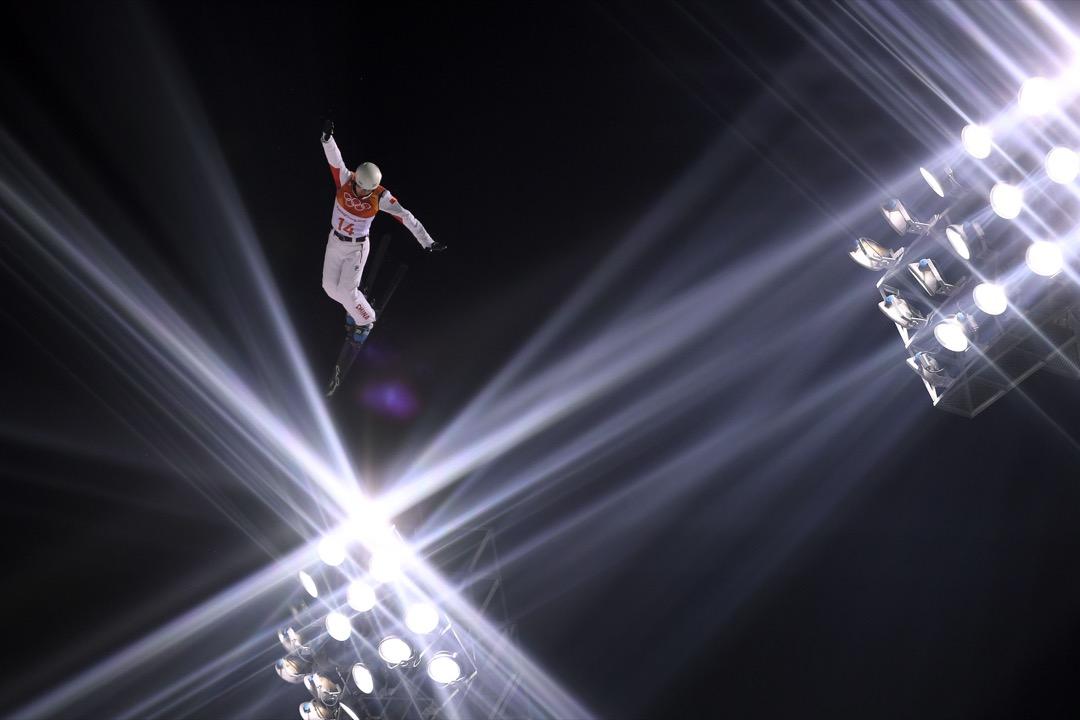 2018年2月17日,中國選手賈宗洋挑戰自由式滑雪空中技巧項目資格賽。