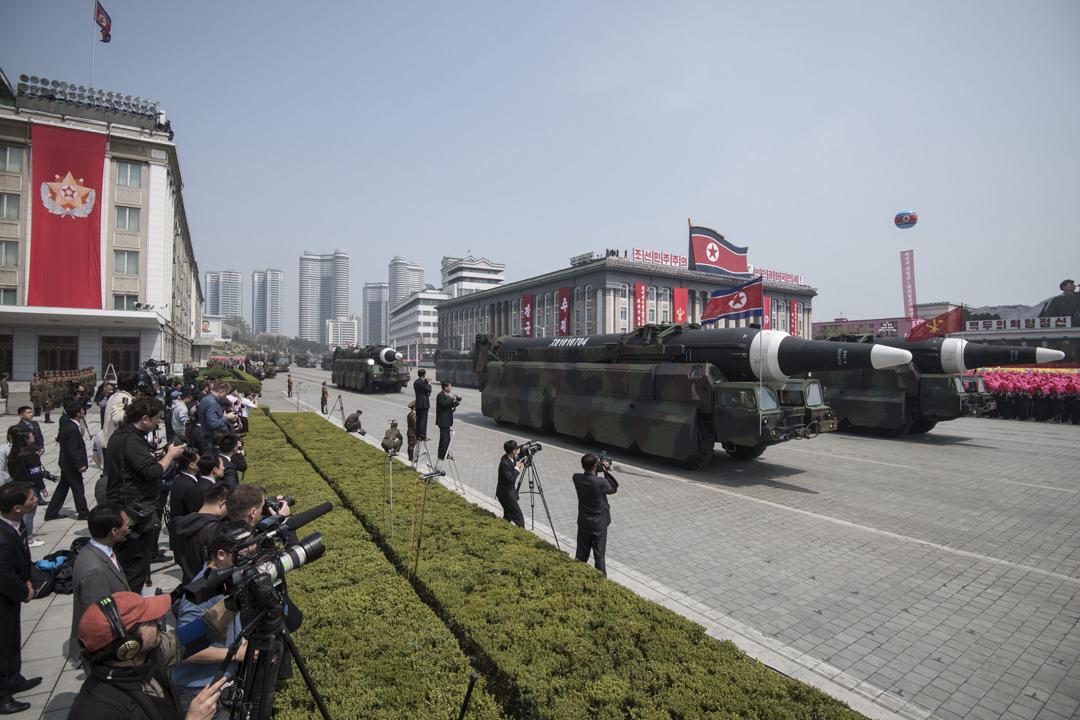 北韓去年於4月15日慶祝「建軍節」並舉行閱兵儀式,過程由國家電視台作直播,並事先廣邀海外傳媒出席。 攝:Ed Jones / Getty Images