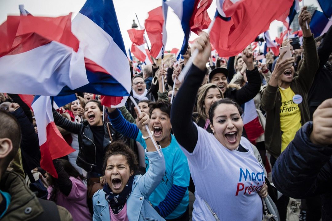 法國大選的結果驅散了陰雲,被歐美輿論視為關鍵的轉折,稱之為「馬克龍時刻」。