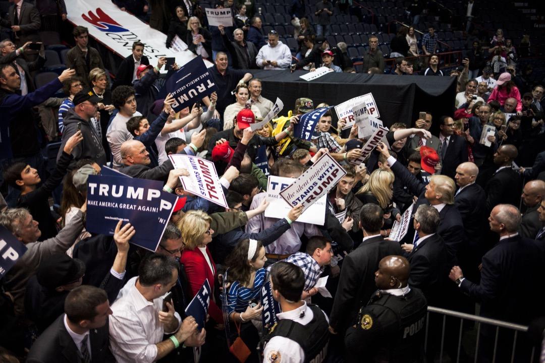 特朗普清楚地知道,存在一群憤怒的美國民眾,而他擁有傑出的才能去激發、煽動和凝聚他們的憤怒,並轉化為政治運動的力量。