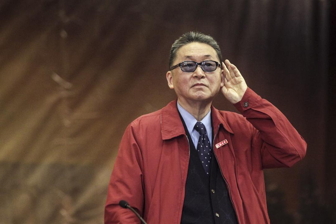 2011年4月1日, 李敖受聘暨南大學名譽教授,儀式後李敖在禮堂演講並回答學生提問。 攝:Imagine China