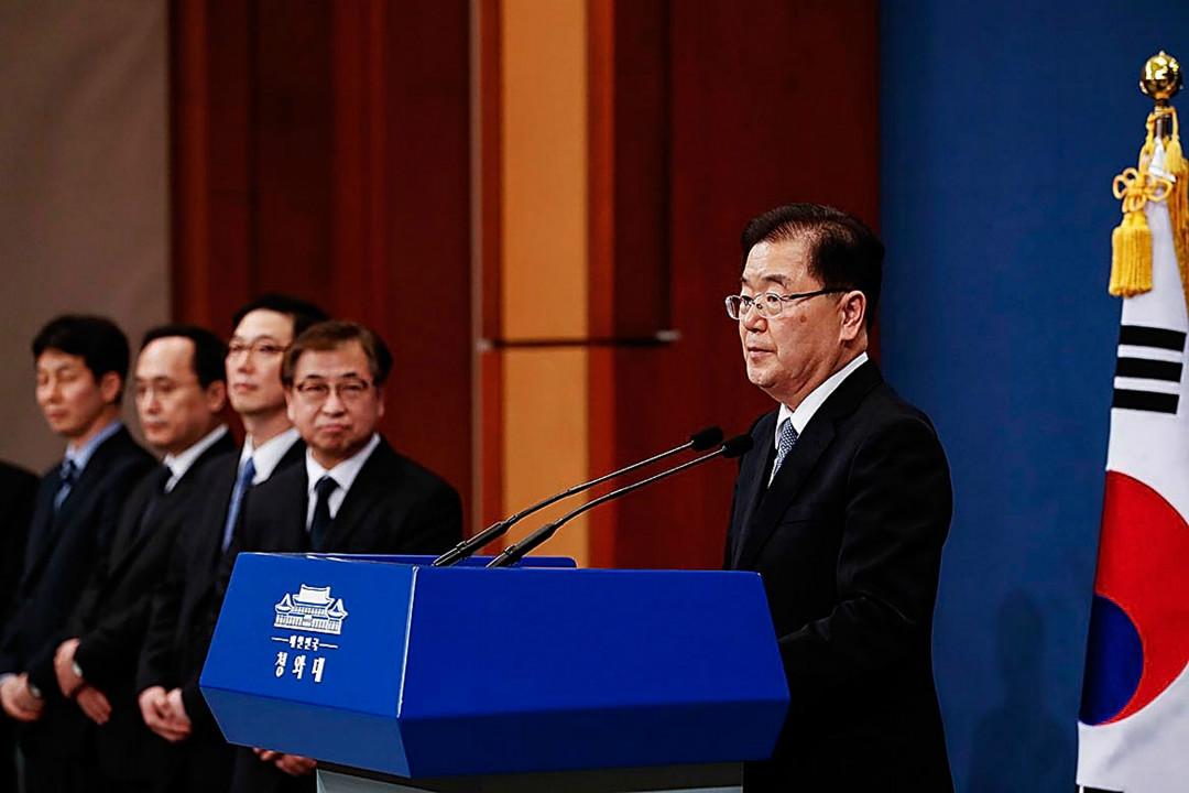 2018年3月6日,南韓特使團結束北韓訪問回到青瓦台,特使團團長、青瓦台國家安保室長鄭義溶舉行新聞發布會。 攝:Getty Images