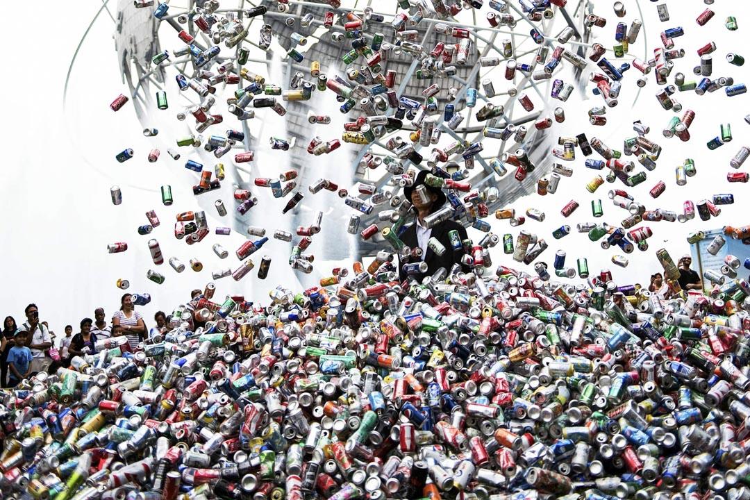 嘉義國際藝術紀錄影展其中放映的一套作品,黃明川紀錄片《肉身搏天》。 網上截圖