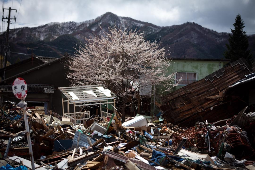 釜石的成功案例,或其他的失敗案例,乃至於災後的復興過程,促進了日本文部科學省、防災或教育領域的學者專家,以及各級學校的教職員,整體地檢討防災教育。
