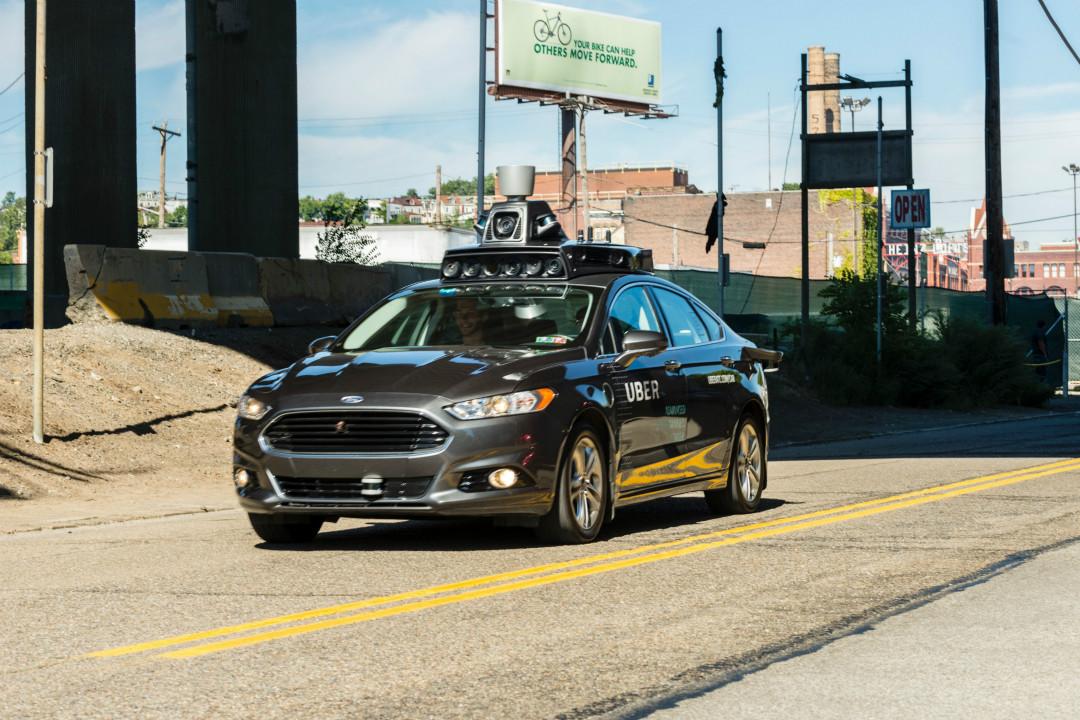 2016年9月13日,美國賓州匹茲堡市,Uber 自動駕駛汽車進行上路測試。 攝:Angelo Merendino/Getty Images
