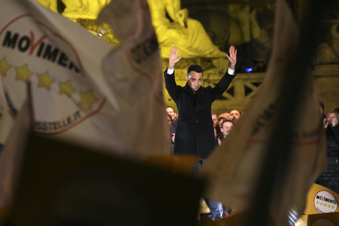 意大利大選的最大贏家之一、五星運動的領導者迪馬奧(Luigi Di Maio)在選舉結束後高調宣布了「第三共和」的誕生。 攝: Franco Origlia/Getty Images
