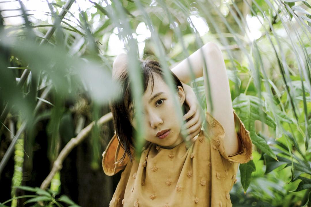 北京姑娘劉婧犖要求自己做一個日本動漫裏的人,不僅要說地道的日語,還有日本的思維方式、文化習俗,全都要做的有模有樣。如今她是《海賊王》、《美少女戰士crystal》等多部動畫遊戲名作的聲優。