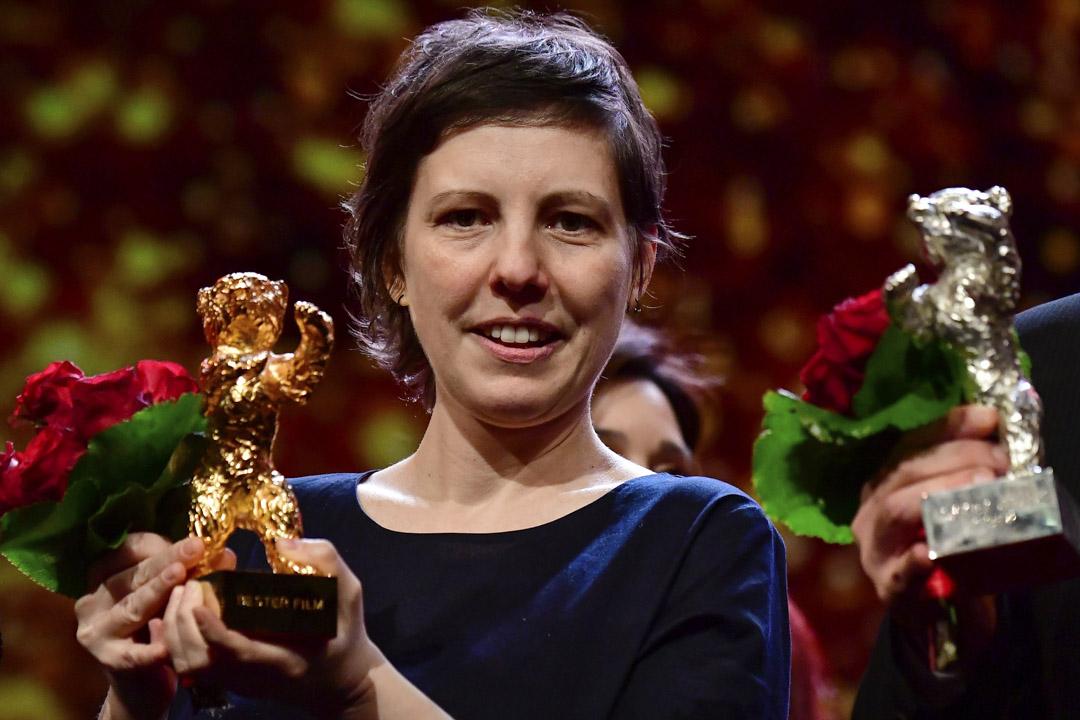 羅馬尼亞紀錄片導演(Adina Pintilie)的首部長片作品《禁身接觸》(Touch Me Not)奪得最高榮譽金熊獎。