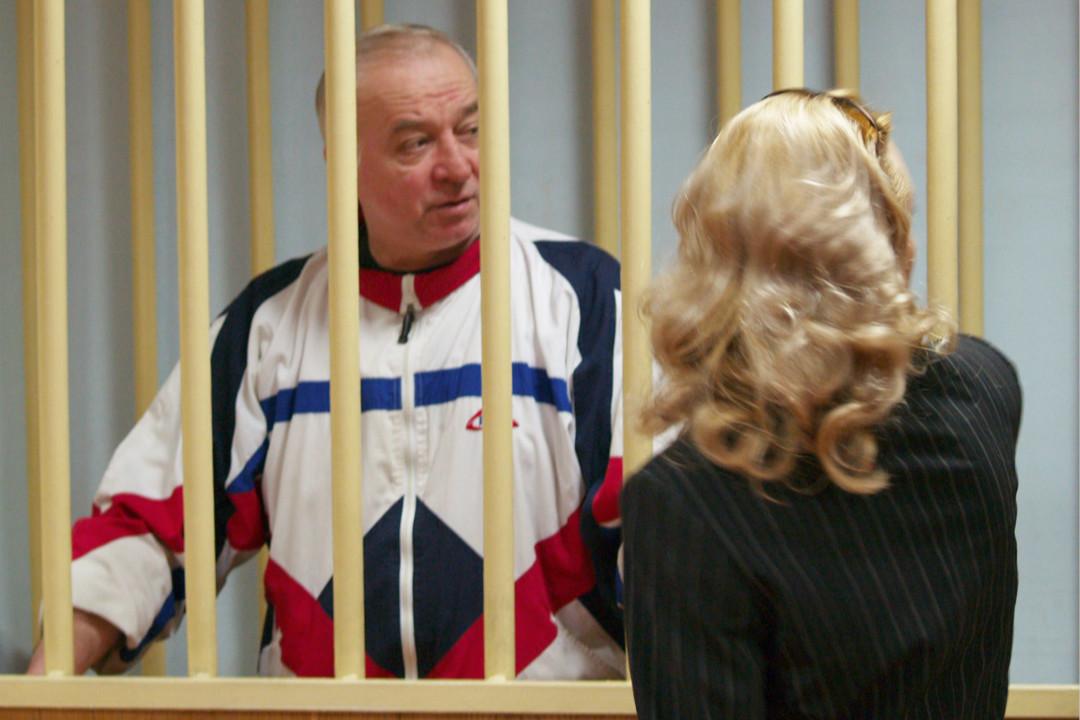 2006年8月9日,俄前特工斯克里帕爾(Sergei Skripal)在莫斯科地方法院出席聽證會。 攝:Getty Images