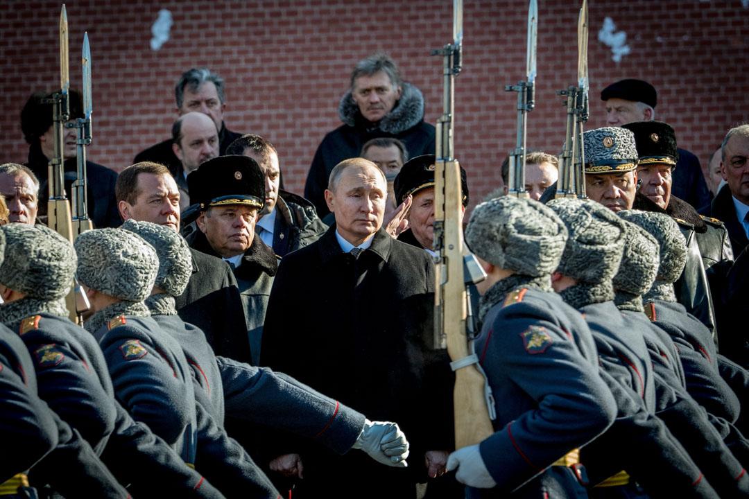 2018年2月23日,俄羅斯總統普京由總理梅德韋傑夫及國防部長謝爾蓋·舒伊古陪同下,在莫斯科克里姆林宮牆附近的無名烈士墓前舉行獻花儀式。