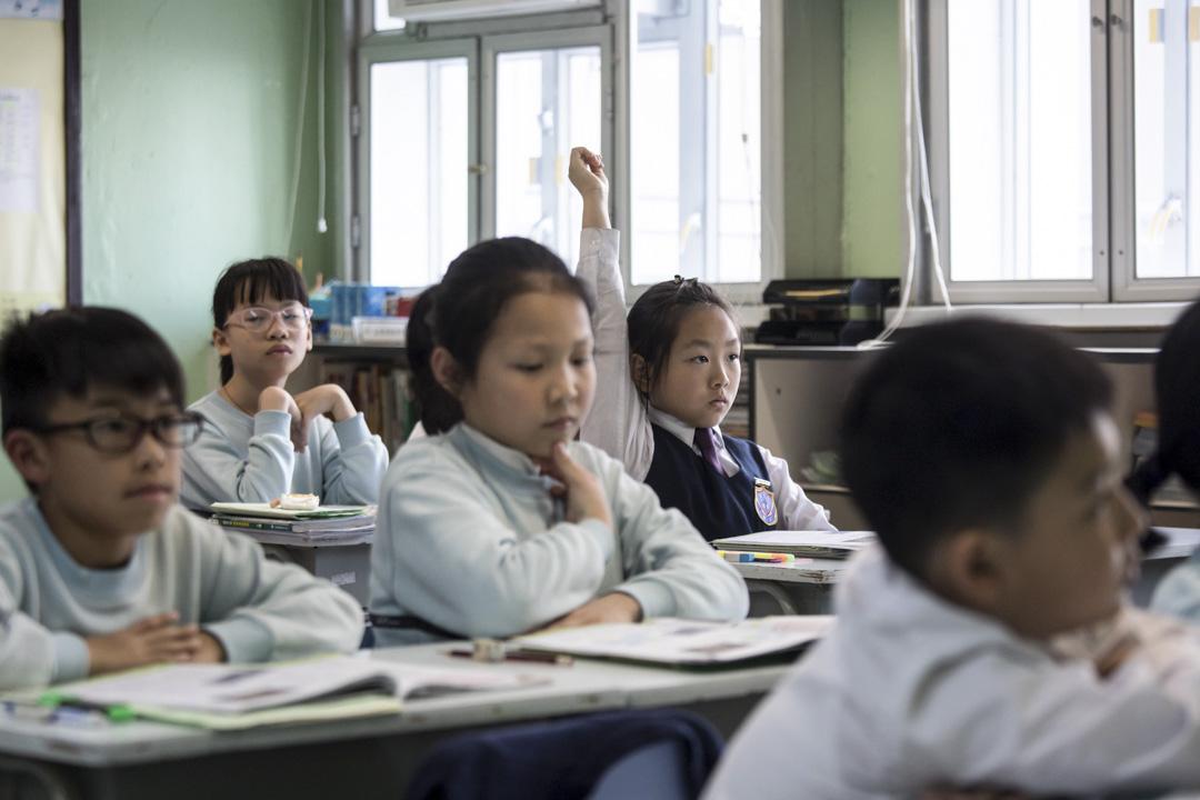 沙田崇真學校的學生正在上「普教中」。