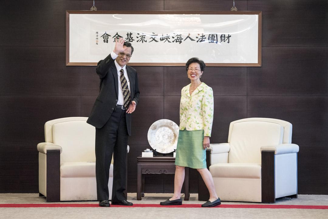 2018年4月13日,陸委會主委陳明通前往海基會,與董事長張小月會面面談。