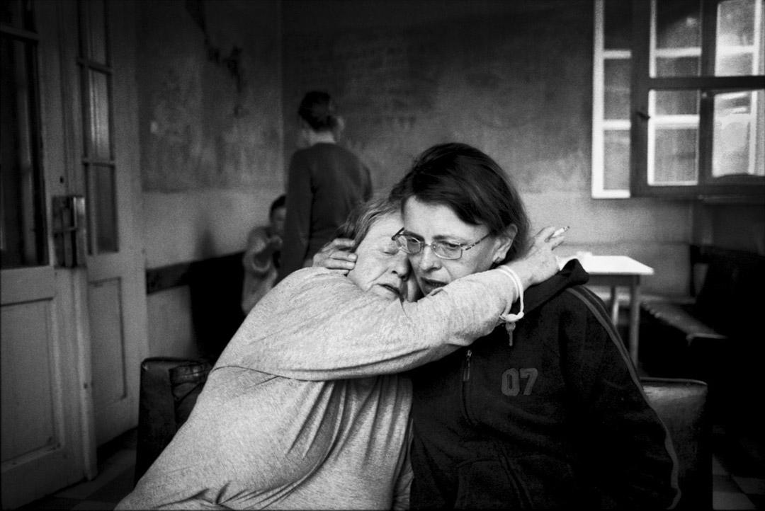 【她們 They _ Ward Nr. 02】黑白平面攝影系列 Prague, Czech (2003-2006)。