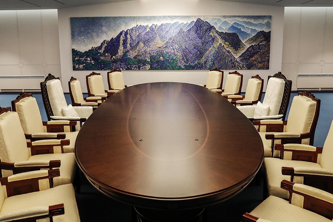 全球矚目的兩韓首腦峰會,將於當地明早10時半展開;南韓當局今天確認,兩韓元首將於峰會過後簽署並發表協議。圖為峰會場地,位於兩韓邊界南韓一側的和平之家會議廳。 圖片來源:Korea Summit Pool via Getty Images