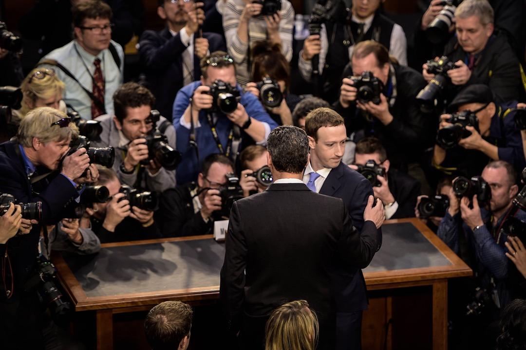 2018年4月10日,Facebook 創辦人兼行政總裁朱克伯格出席美國國會參議院聽證會。