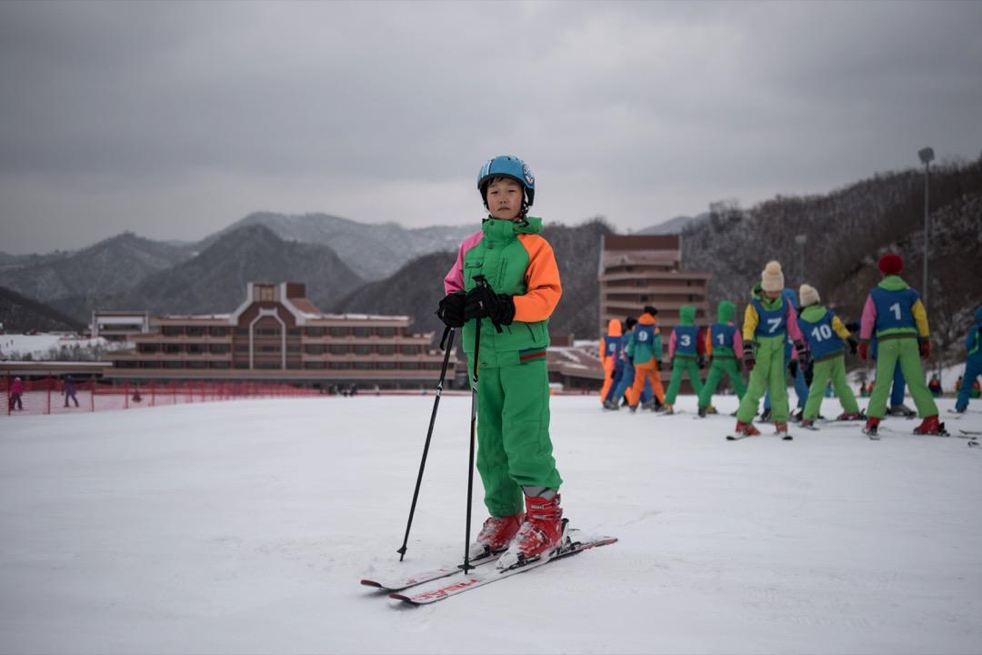 這座滑雪場位於距離平壤178公里遠的馬息嶺,是北韓第一座,也是目前唯一一座。