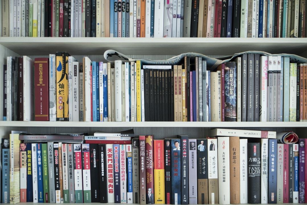 孟浪表示自己的所有思想多半來自華文,即使社會環境變化或多或少對他產生影響,但仍不及書籍對他的影響力。