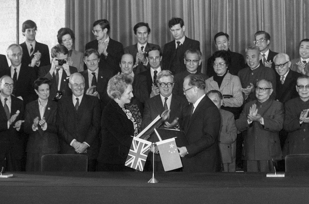 1984年中英簽訂《中英聯合聲明》,英國將香港主權移交中國。