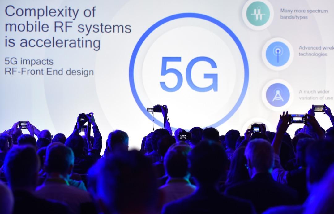 今年晶片商Broadcom收購Qualcomm案,特朗普也以國家安全為由,下令否決此交易,背後即暗藏美中對5G網路主導權的競奪。圖為1月8日Qualcomm於美國拉斯維加斯消費電子展介紹5G技術。