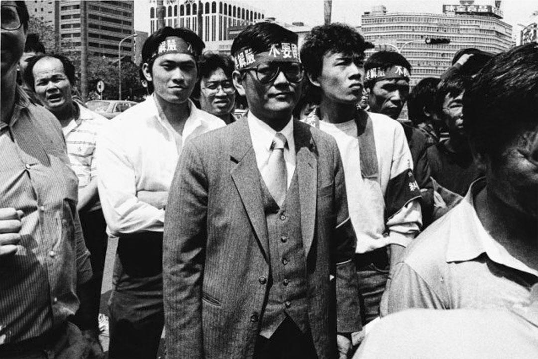 鄭南榕於八十年代爭取台灣民主化,致力推動台獨運動的社會運動者,1984年,與友人創辦了黨外運動雜誌《自由時代周刊》1989年,因涉嫌叛亂被傳喚出庭,拒絕被警方拘捕,在雜誌社內,自焚身亡。