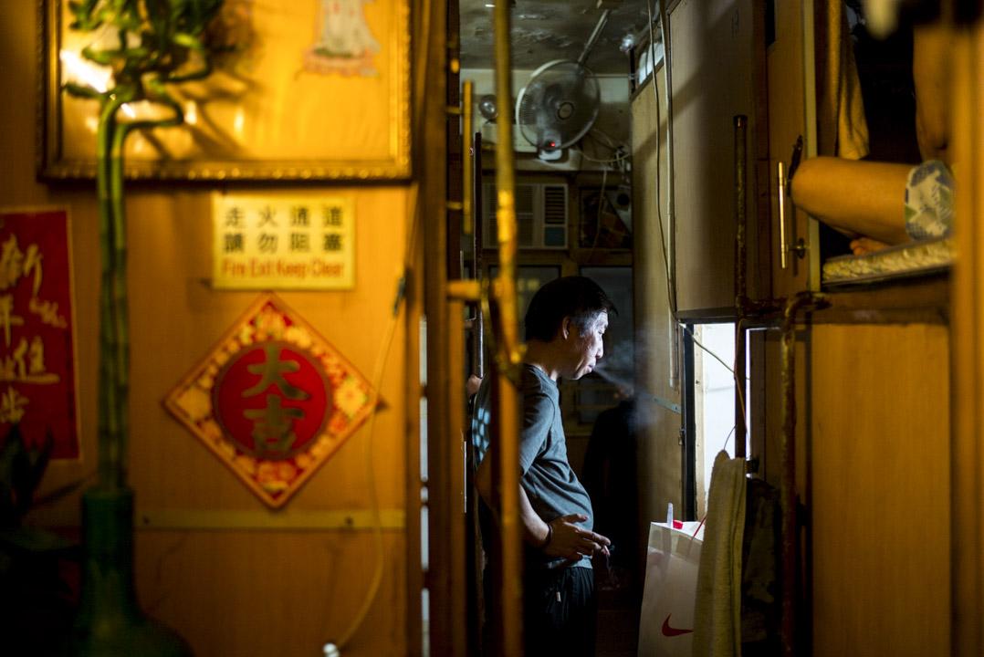 香港政府於2月28日公佈的預算案,原沒有派錢選項,但3月23日,財政司長陳茂波改口提出「拾遺補漏」方案,向每位合資格市民派發4000元現金,回應市民期望進行有針對性「派糖」。