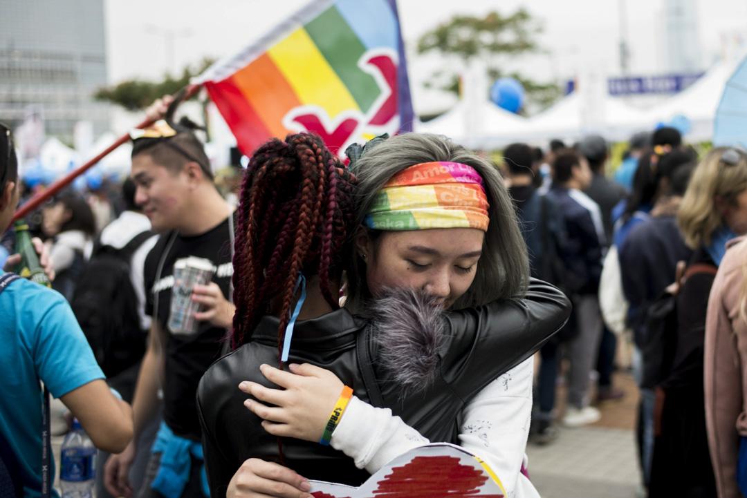 2017年11月25日,香港同志遊行,主題為「轉風執位,歧視歸西」,寄望政府落實保障同志獲平等權利的法例和政策,消除社會對同志的歧視。 攝:林振東/端傳媒