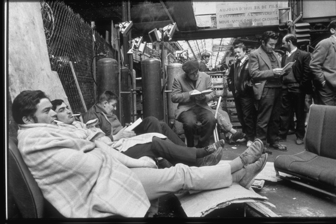 5月22日,法國「五月風暴」,參與罷工的工人佔領了雷諾車廠。