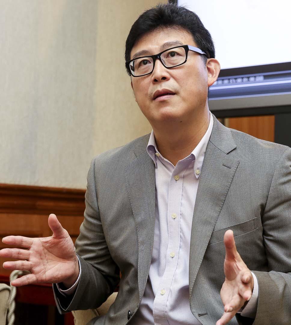 2018年5月30日,民進黨中執會確定不再與無黨籍現任市長柯文哲合作,而徵召自家黨員姚文智參選台北市長選舉。