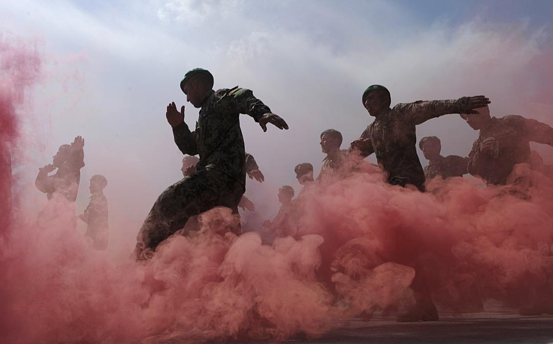 2011年3月31日,阿富汗軍隊在首都喀布爾的軍事訓練中心進行步操儀式。