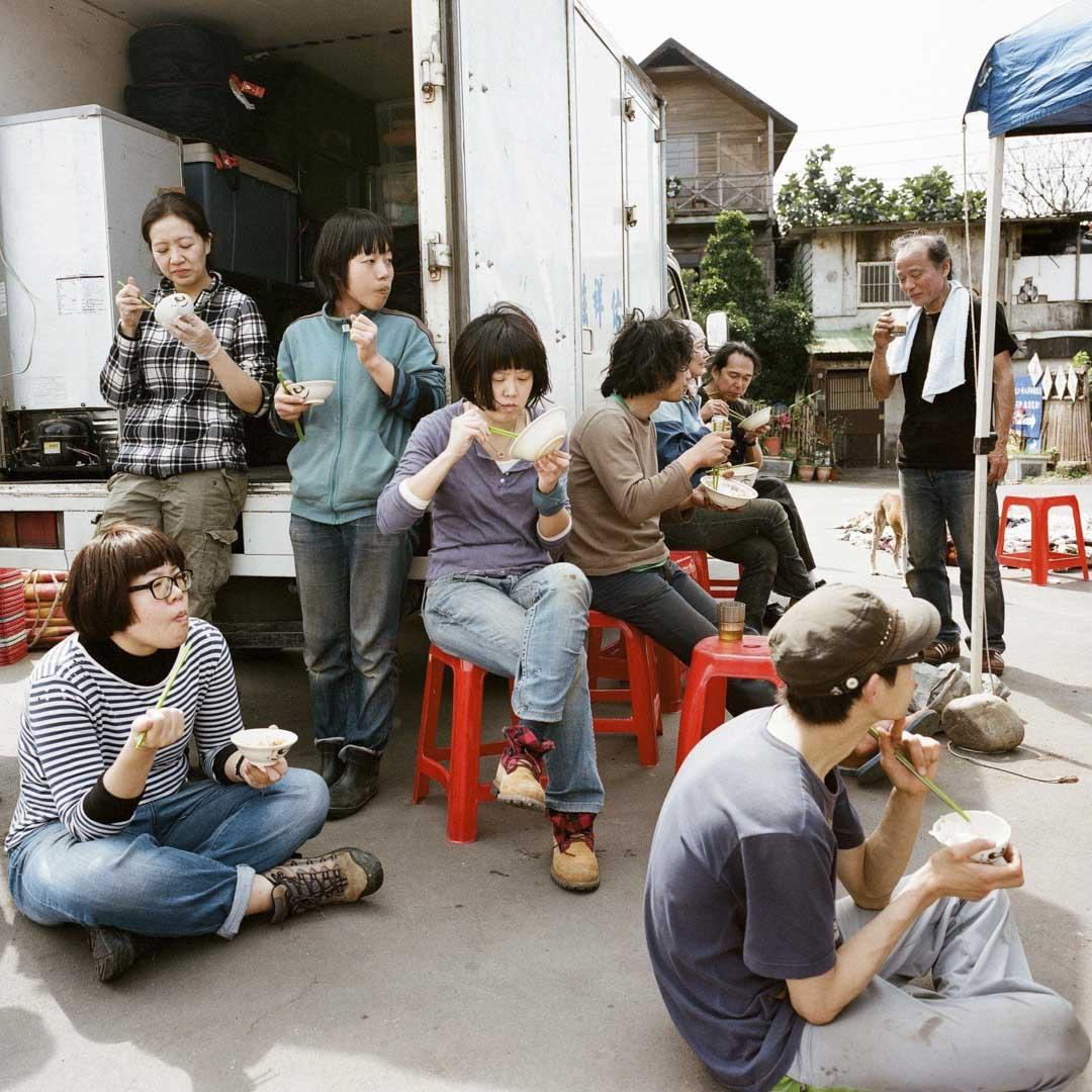 陳芯宜於《大帳篷:想像力的避難所》的拍攝現場。
