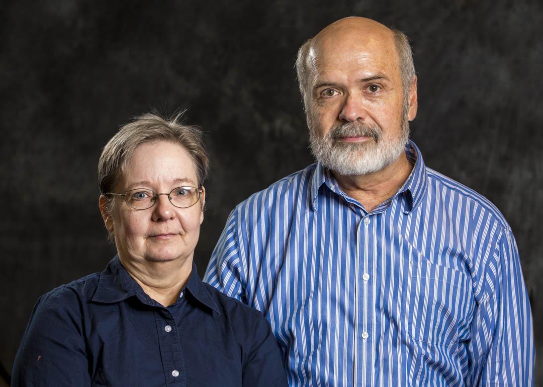 住在美國愛荷華州小鎮格林內爾的馬克(Mark Montgomery)和艾琳(Irene Powell)夫婦,養有三個孩子,其中兩位是黑人:只有長女是馬克和艾琳親生。