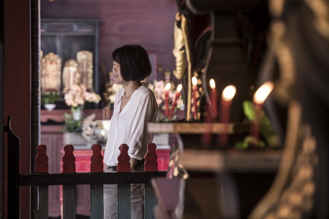 陳芯宜最有感的並非藝術家的表演,而是深夜訪談時,藝術家對自己人生的總結或詮釋,這使她意識,她所渴欲紀錄的,或許不是藝術作品,而是人的本質。