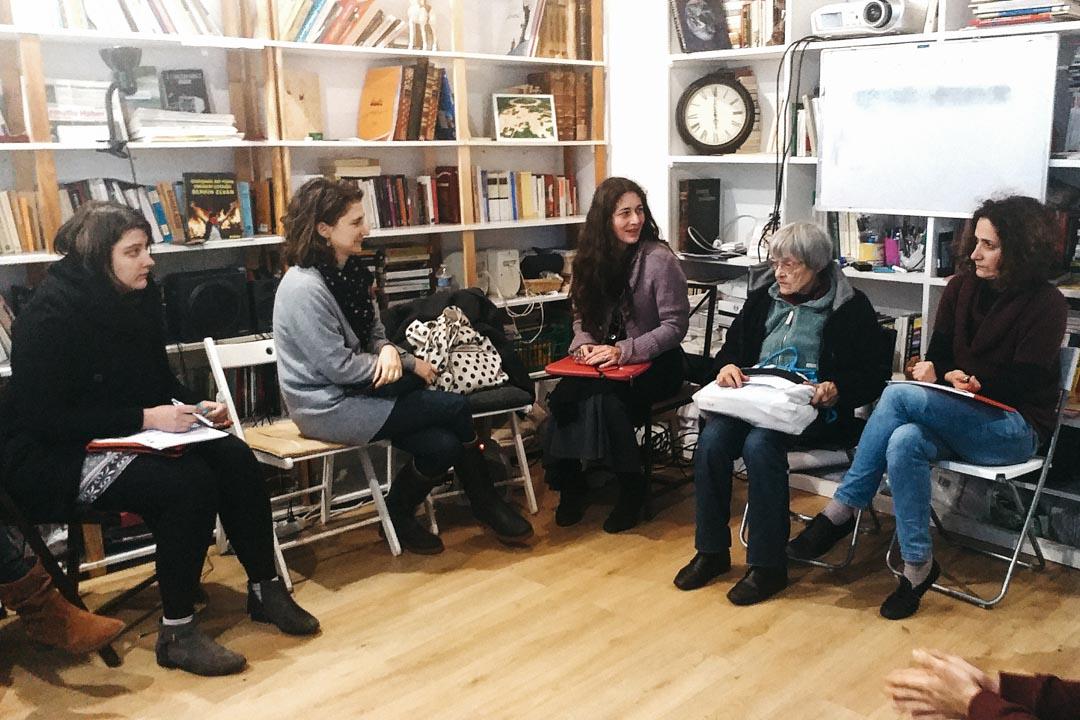 透過不同活動和方法,被培訓的導師們體驗到如何從故事中找出哲學命題,找出哲學問題的過程有很多方法,這天我們嘗試兩個方法:說故事;藝術活動體驗。