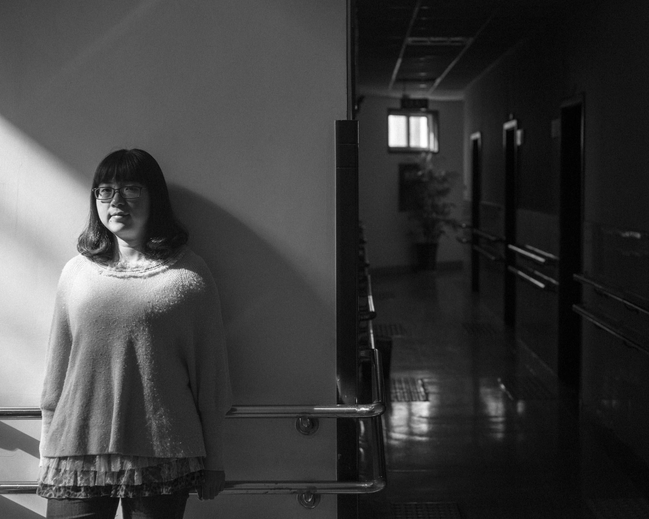 賴寒,31歲,四川人,香港復康會四川項目社工,幫助地震傷員重新融入社會,如今在復康會推動成立的內地NGO四川揚康殘疾人康復技術培訓指導中心繼續服務殘障人士和慢性病患者。