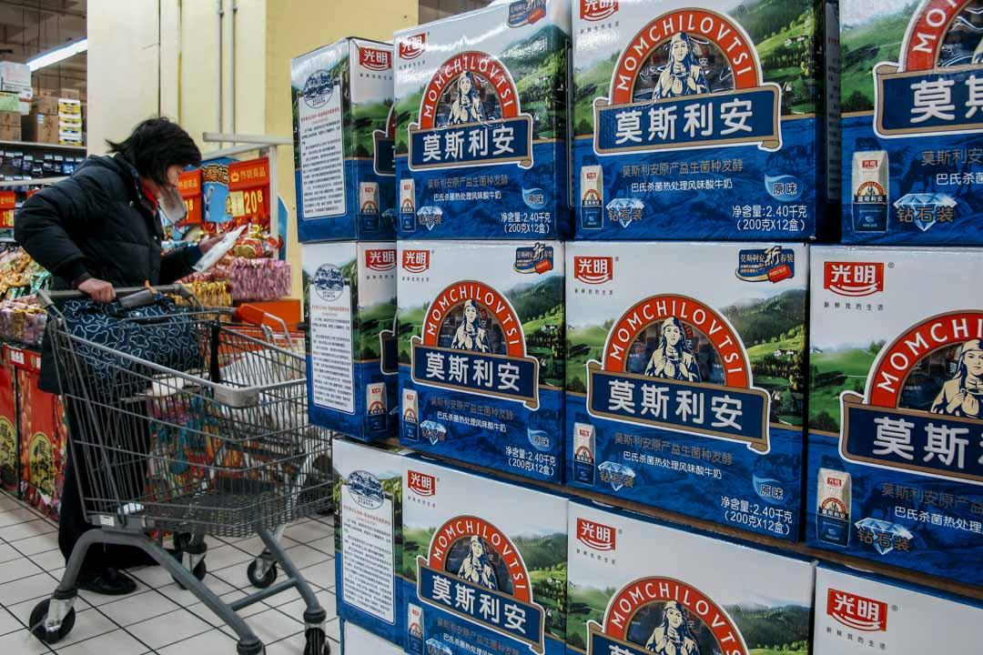 莫斯利安酸奶於2009年被光明推向中國大陸市場。莫斯利安以常溫酸奶作為賣點,不需要考慮冷鏈支持。在宣傳時被打造成健康食品,在中國、尤其是二三線城市,甚受歡迎。