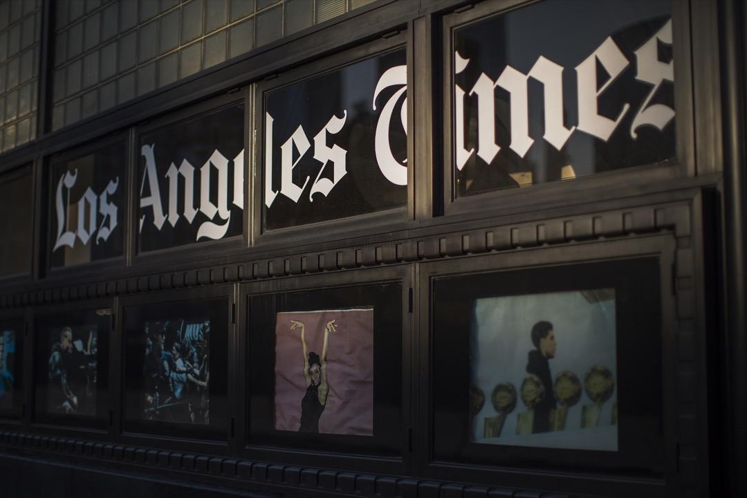 2018年6月18日,擁有137年歷史的《洛杉磯時報》終於迎來了新主人——從南非移民到加州的華裔億萬富翁黃馨祥。 攝:David McNew/Getty Images