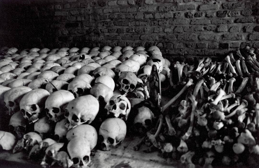 盧旺達大屠殺發生在1994年4月7日至7月4日、由當時的掌權者胡圖人(Hutu)針對圖西人(Tutsi)的大屠殺,據聯合國推算,約有80萬人在大屠殺期間喪生。盧旺達政府則表示,遇難人數超過100萬人(當中一成是溫和的胡圖人,其餘皆為圖西人)。
